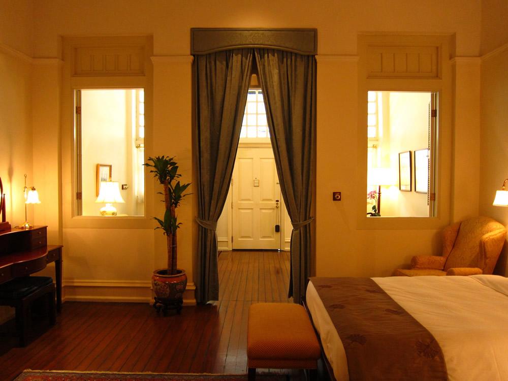 ベッドルームから見た客室内部②