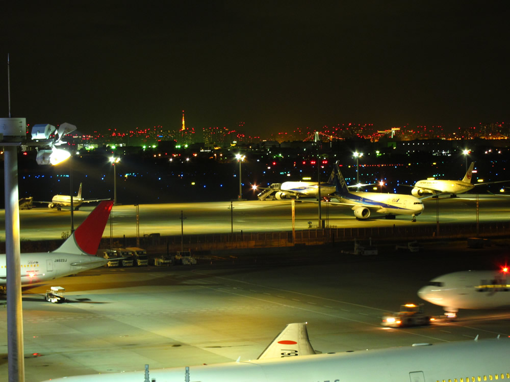 羽田空港国際線ターミナルからの夜景