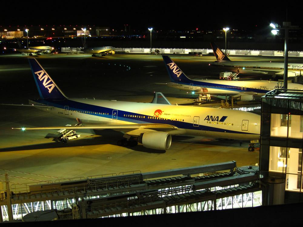 夜の羽田空港国際線ターミナル①