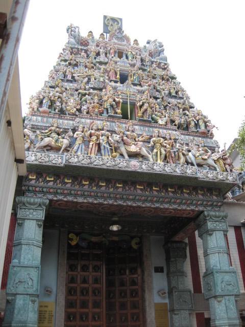 スリ・バダパティラ・カリアマン寺院
